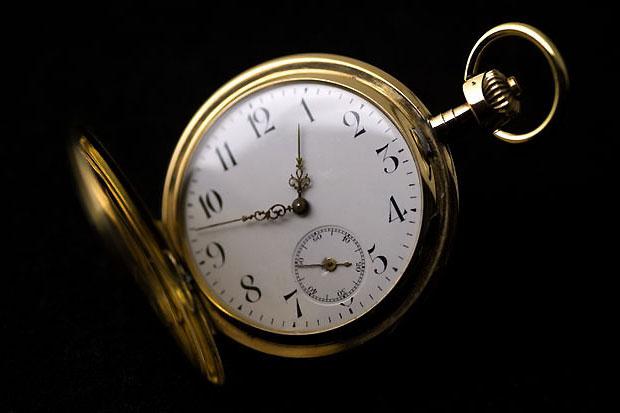 Taschenuhr-Gold-mit-Sekunde